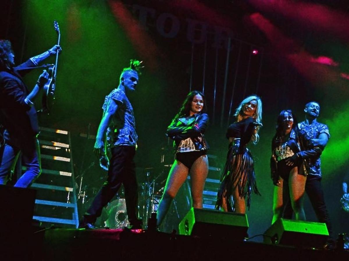 Doda pokazała zdjęcia z pierwszego konceru Riotka Tour