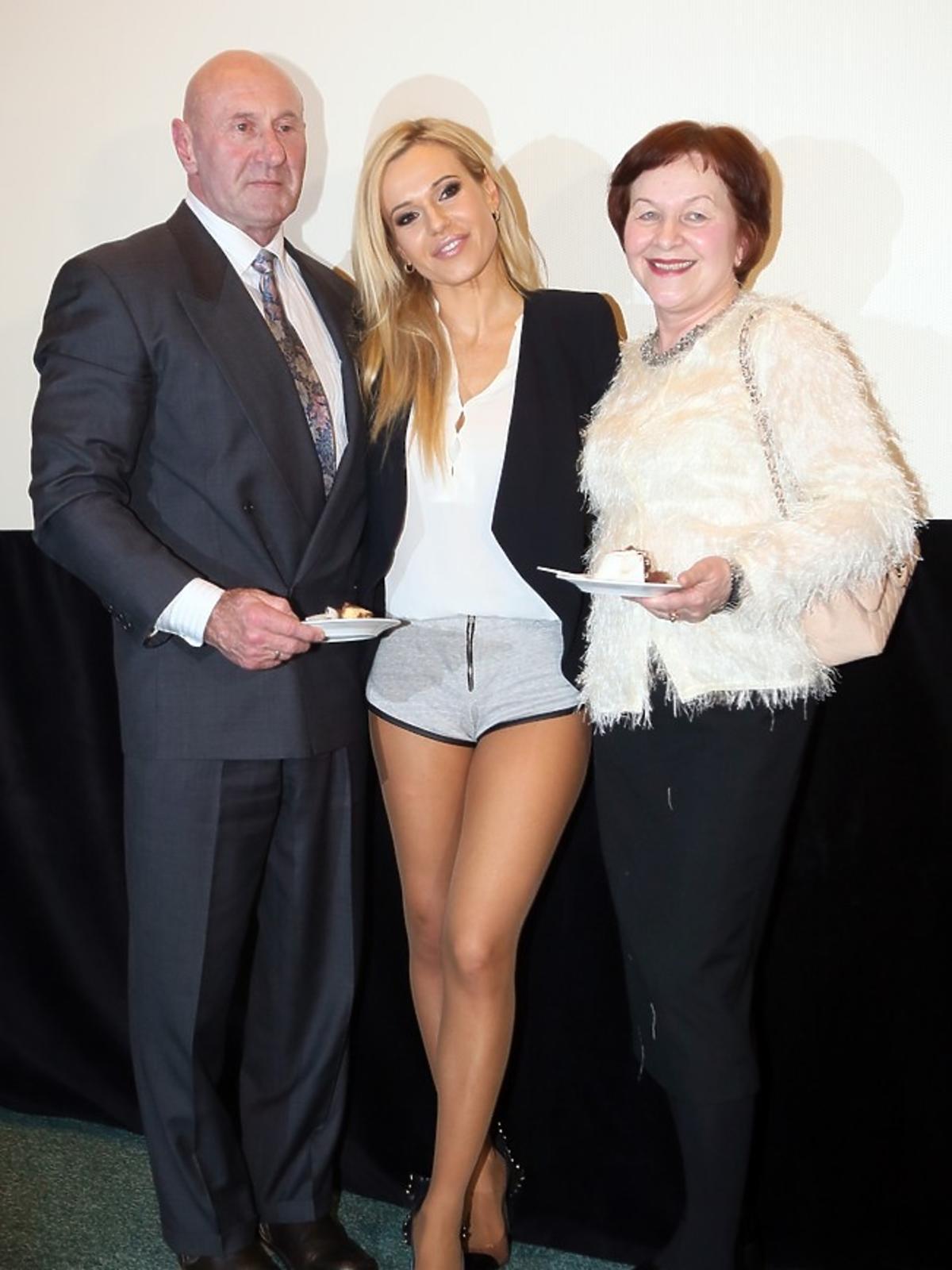 Doda z rodzicami - Pawłem i Wandą Rabczewskimi