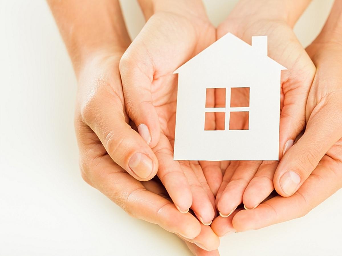 dom na dłoniach