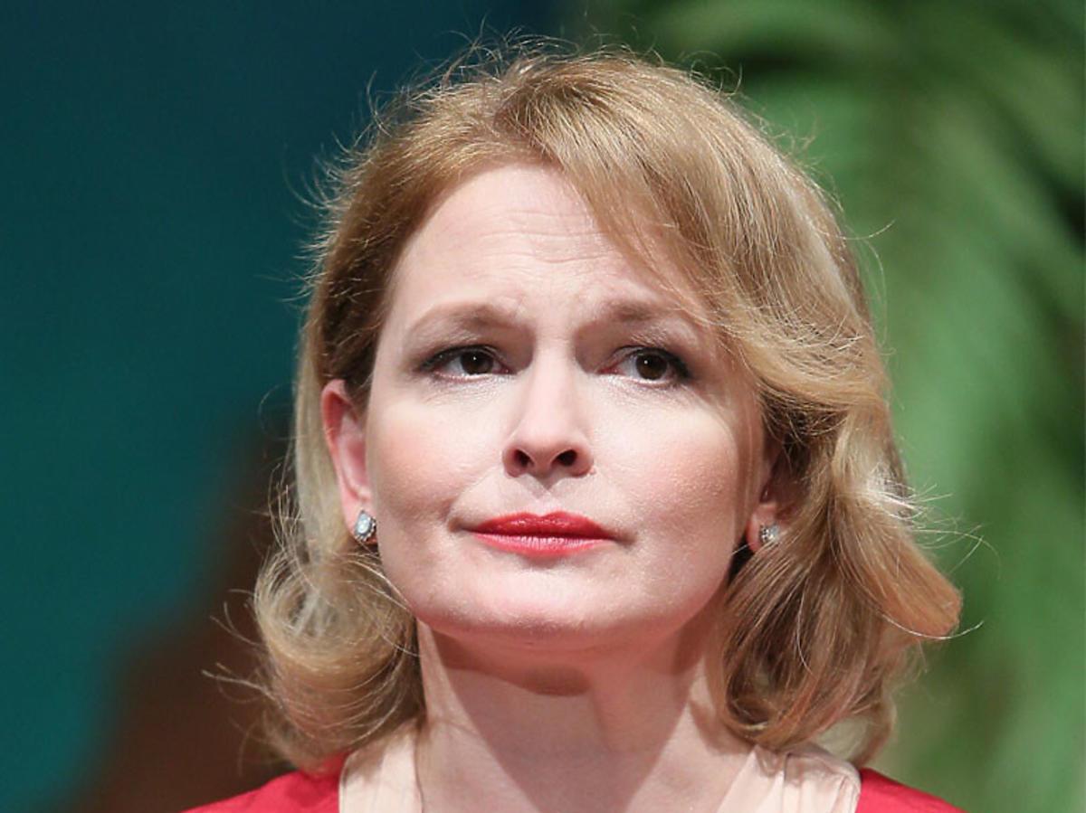 Dominika Ostałowska w czerwonej sukience