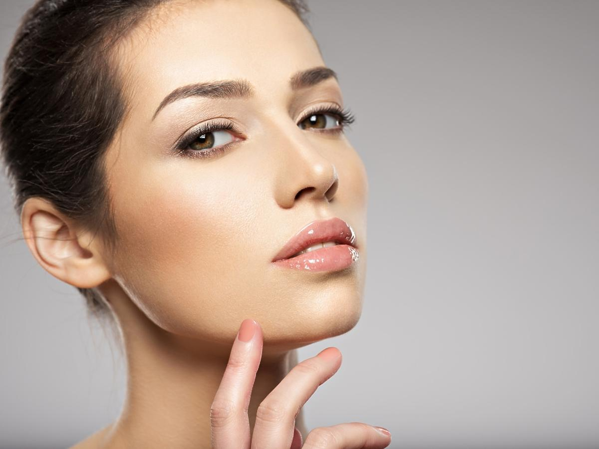 Domowy masaż twarzy - najlepsze akcesoria