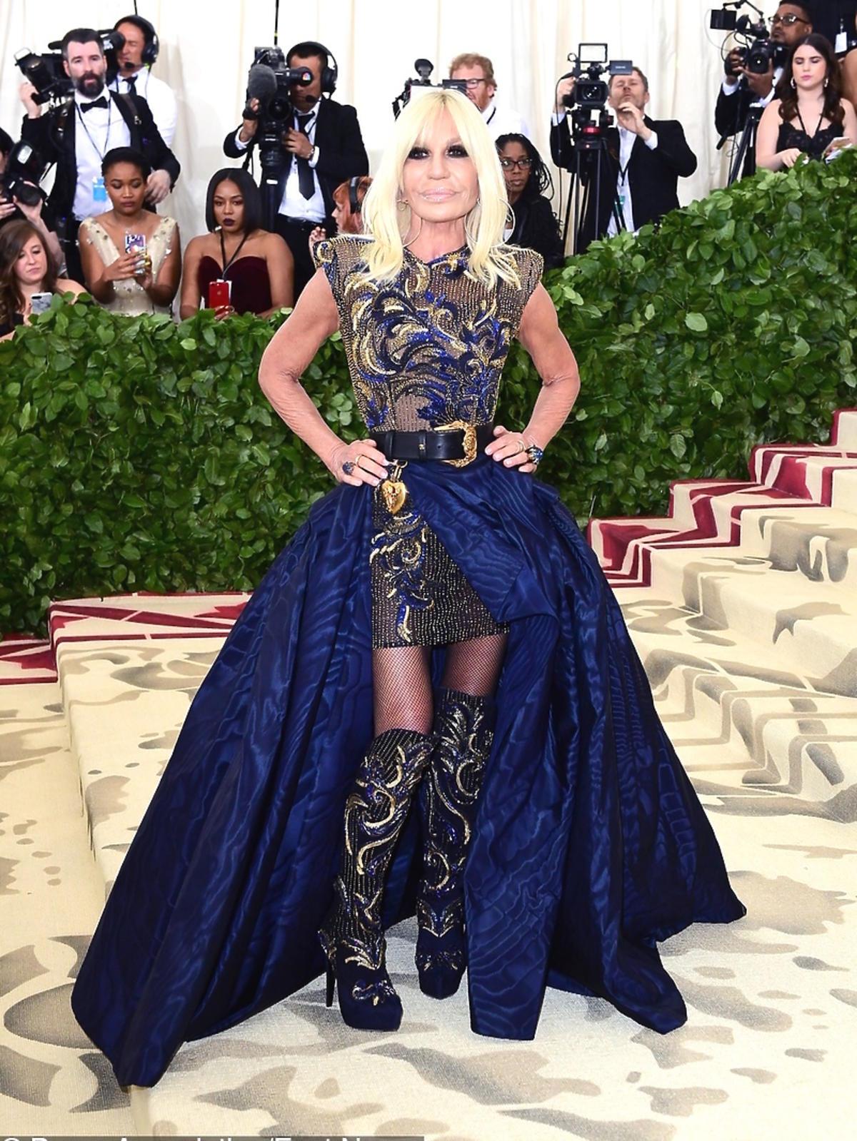 Donatella Versace na gali Met, maj 2018