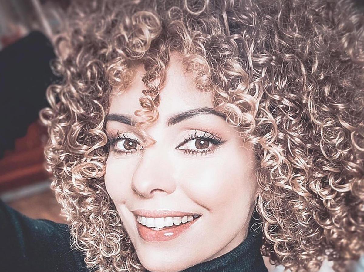 Dorota Gardias w kręconych włosach