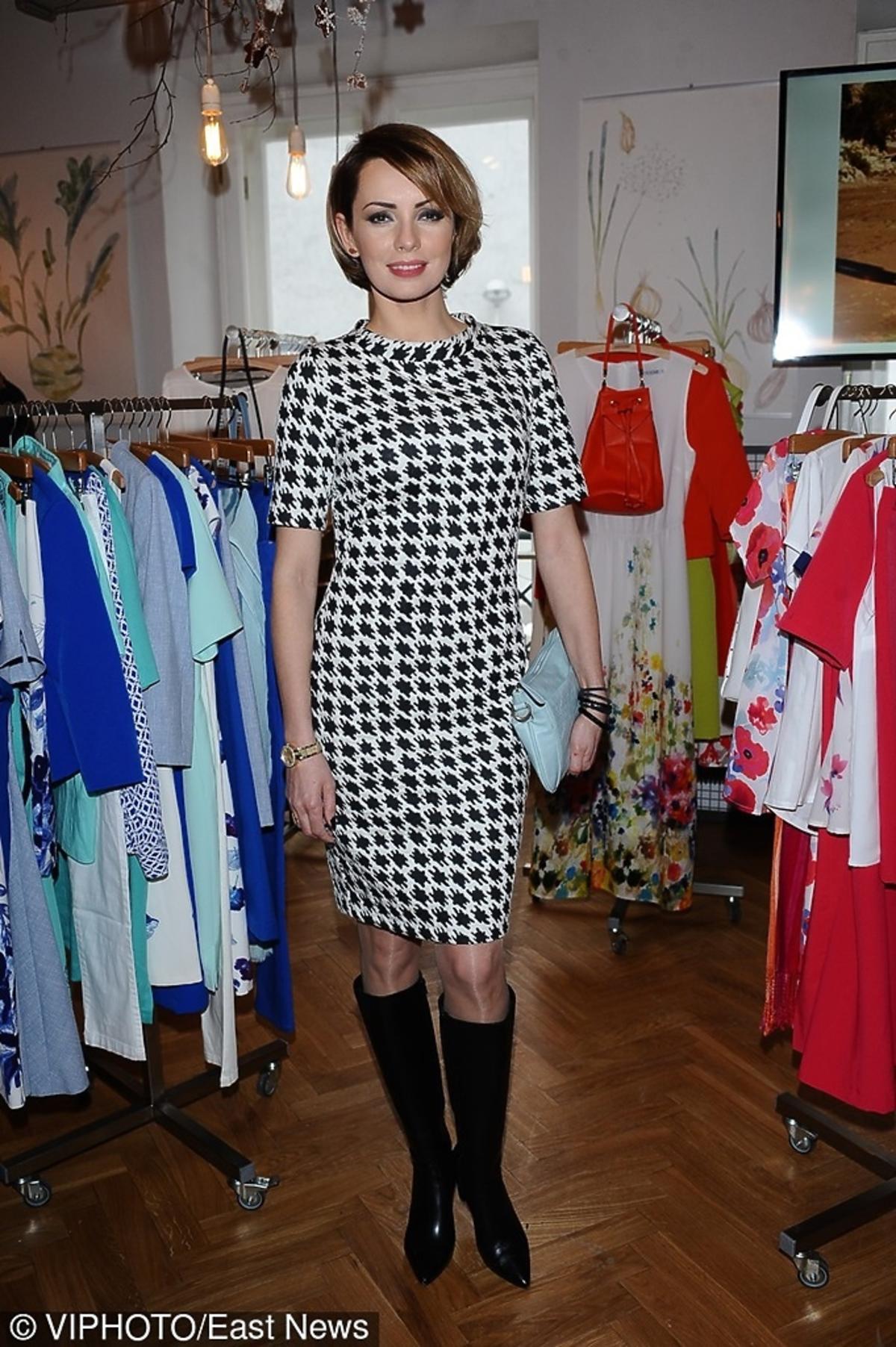 Dorota Gardias w sukience w pepitkę