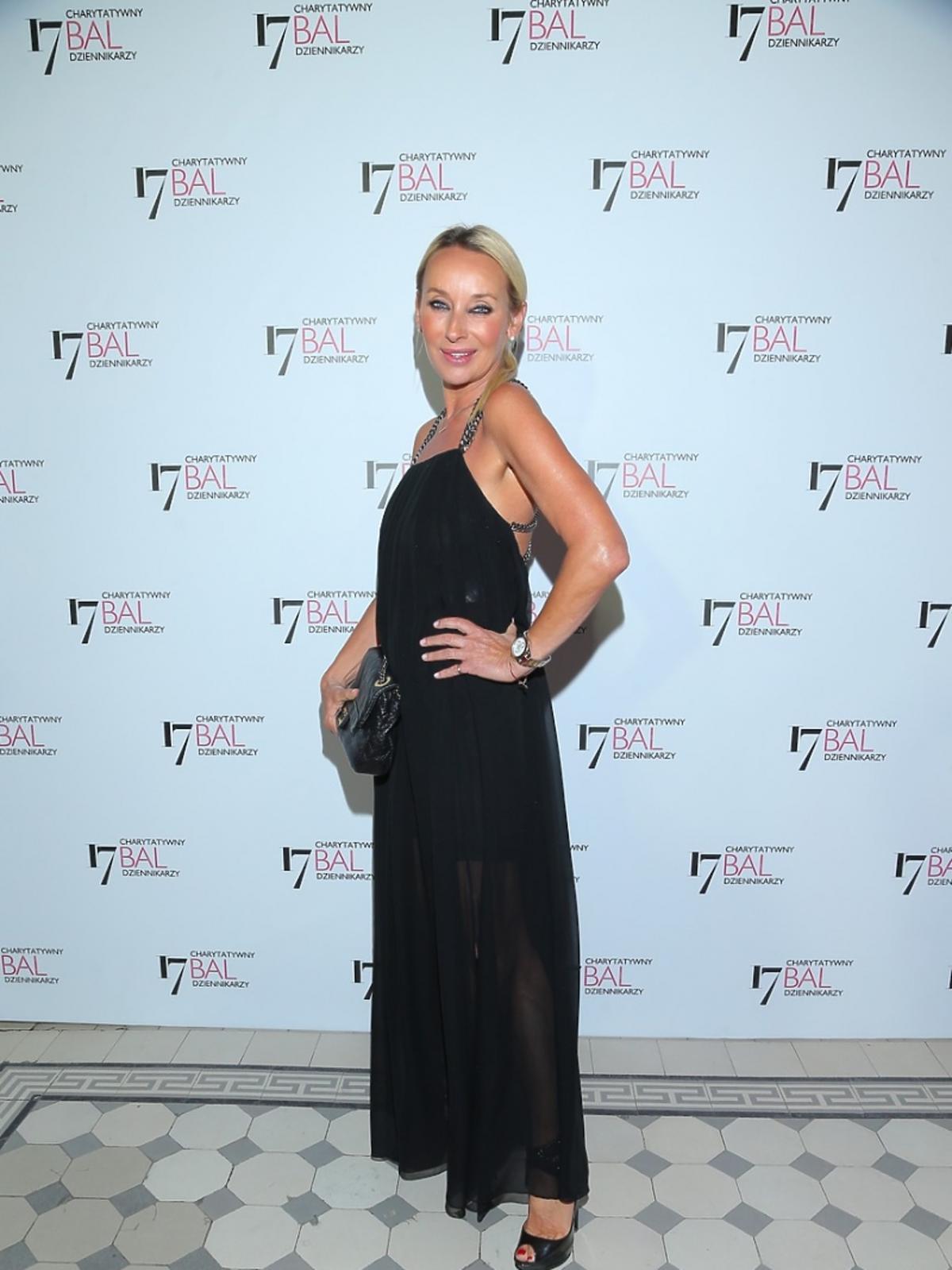 Dorota Williams w czarnej sukience