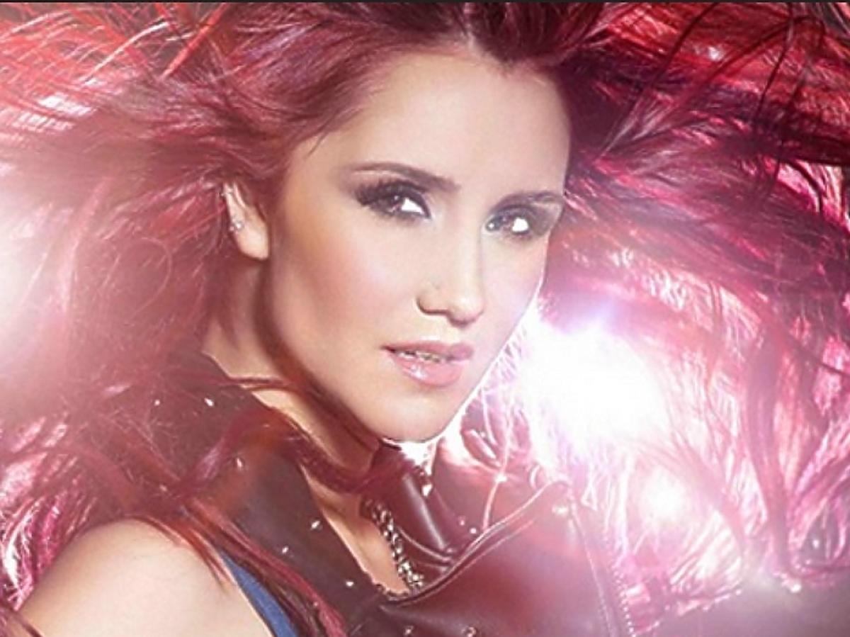 Dulce Maria na MTV EMA 2014