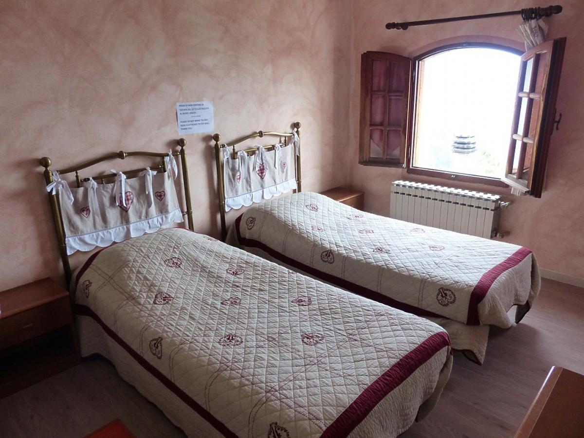dwa łóżka