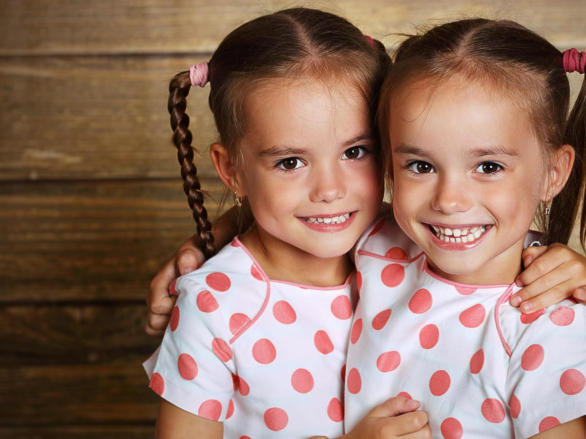 dwie bliźniaczki