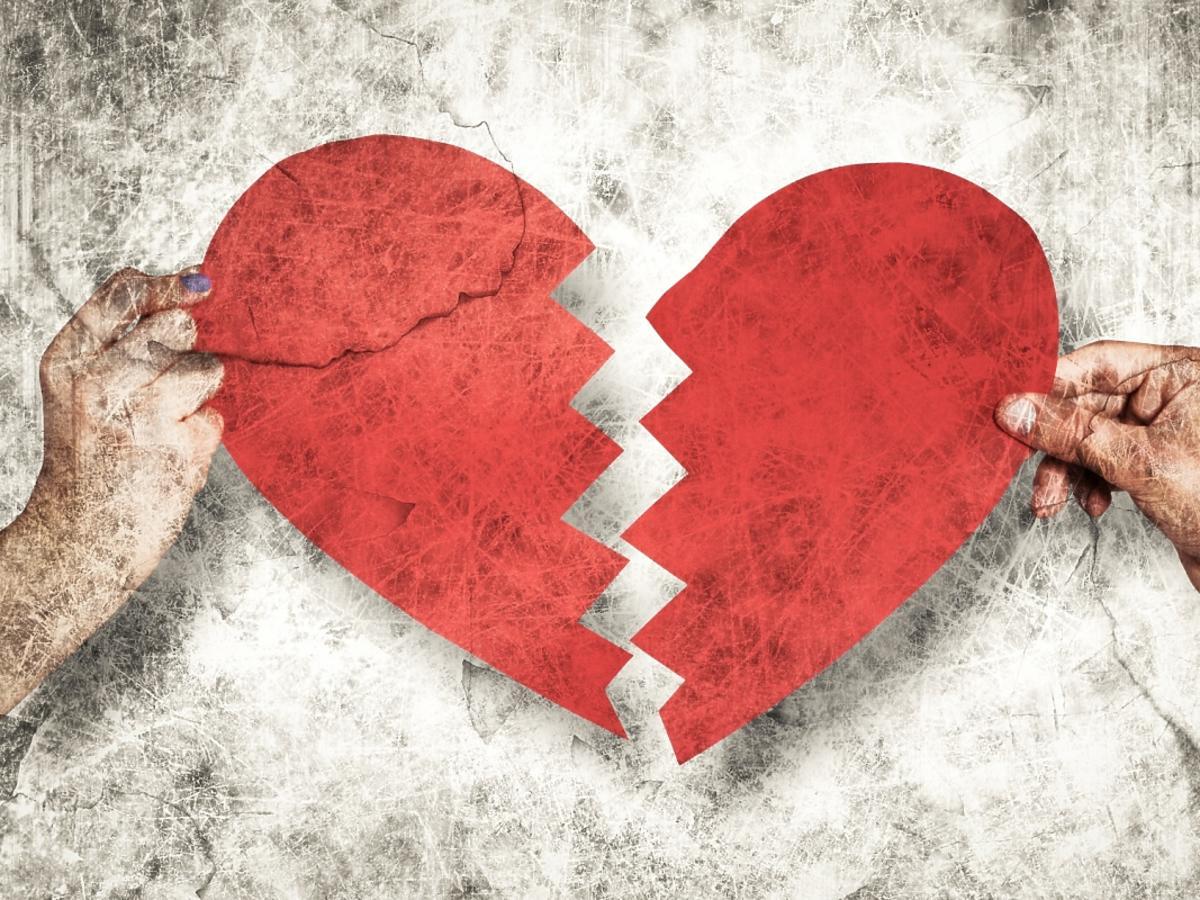 Dwie dłonie i złamane srce