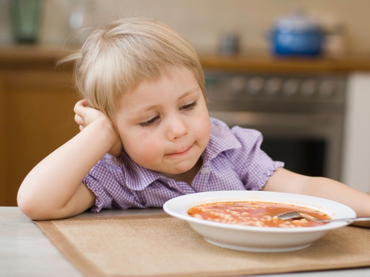 dziecko i zupa