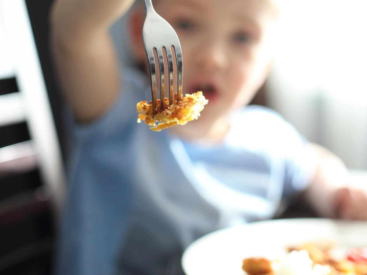 dziecko jedzące