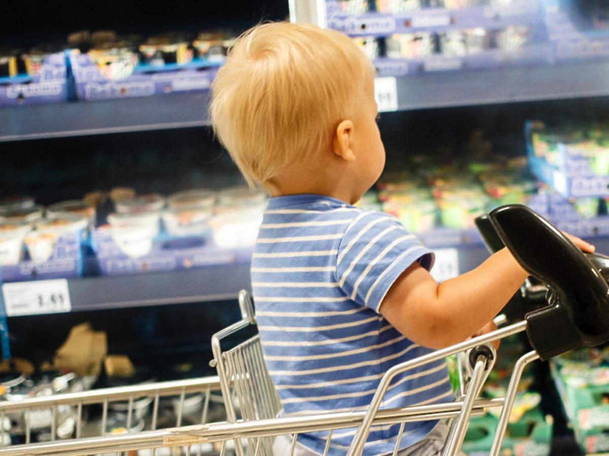 Dziecko w sklepie