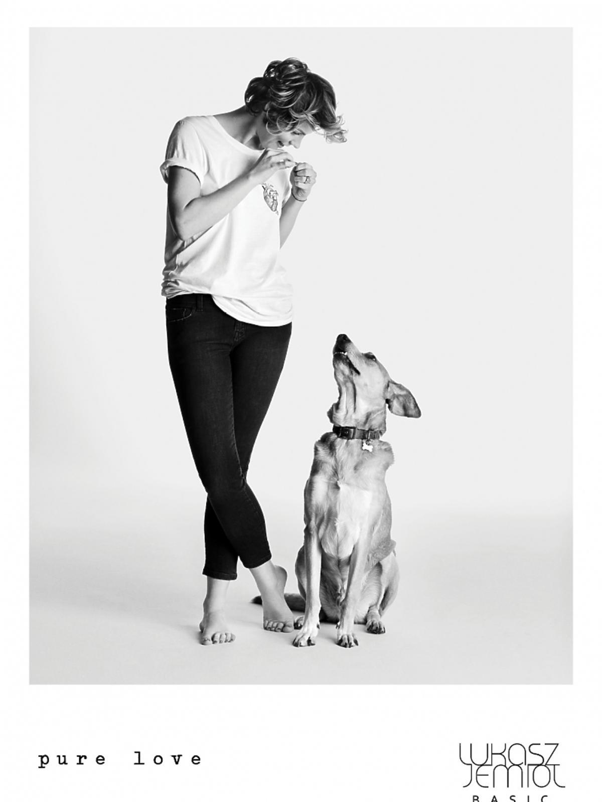 Dziewczyna z psem
