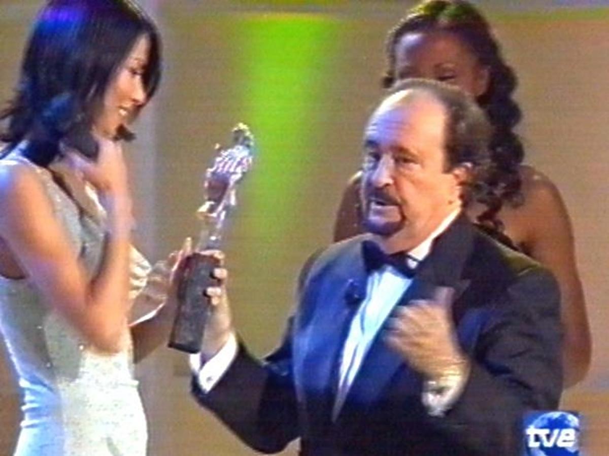 Edyta Górniak odbiera nagrodę dla Najlepszego Głosu w Europie