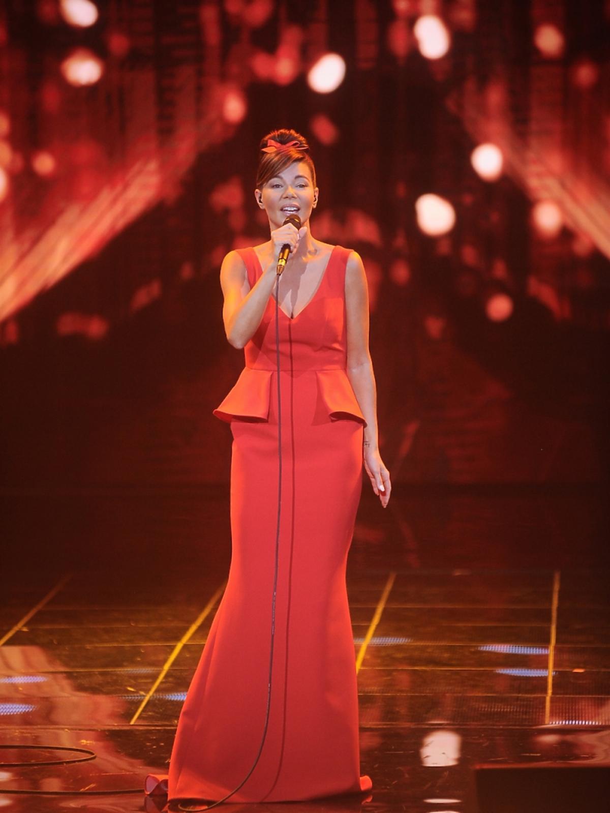 Edyta Górniak w czerwonej długiej sukience