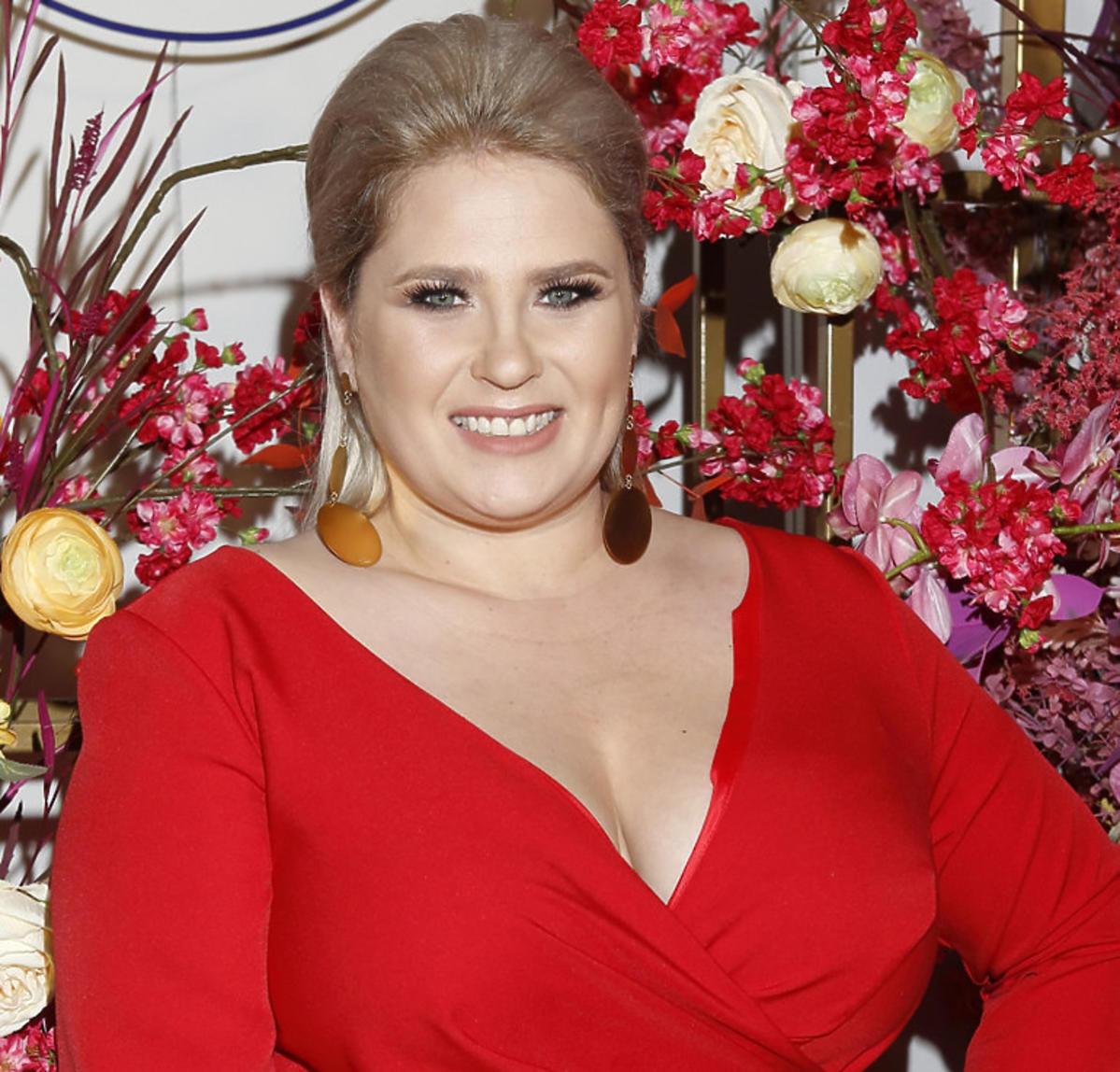 Ela Romanowska w czerwonej sukience