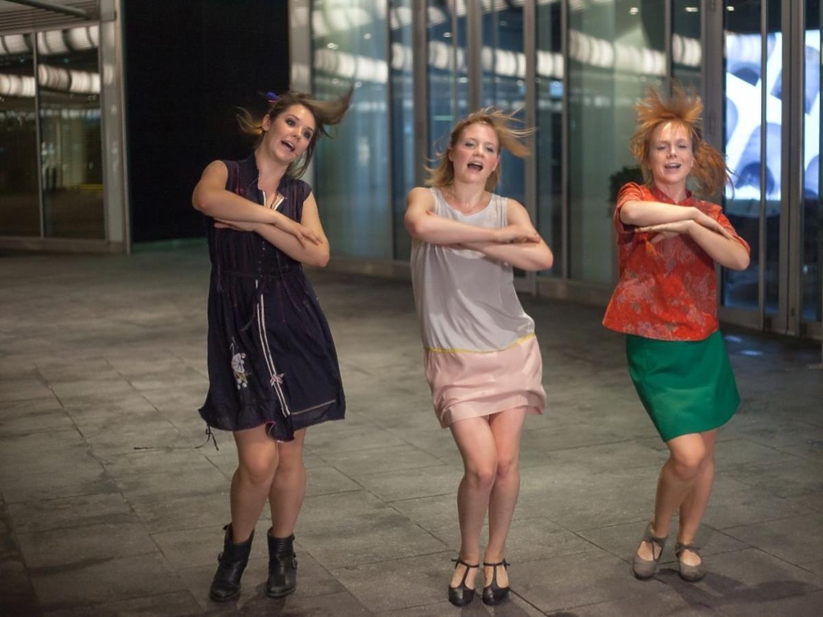 Eliza Rycembel, Karolina Czarnecka i Irena Melcer w filmie #WszystkoGra