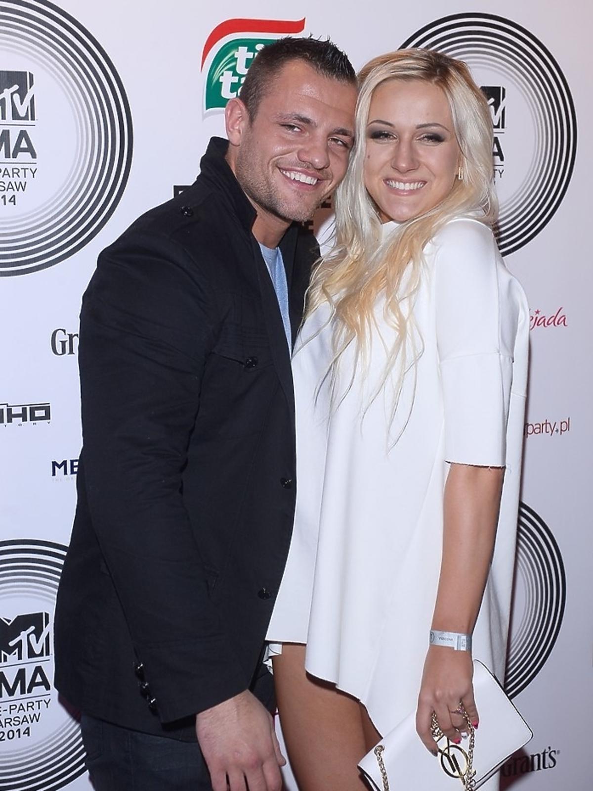 Eliza z podrobioną torebką i Trybson z Warsaw Shore na MTV EMA