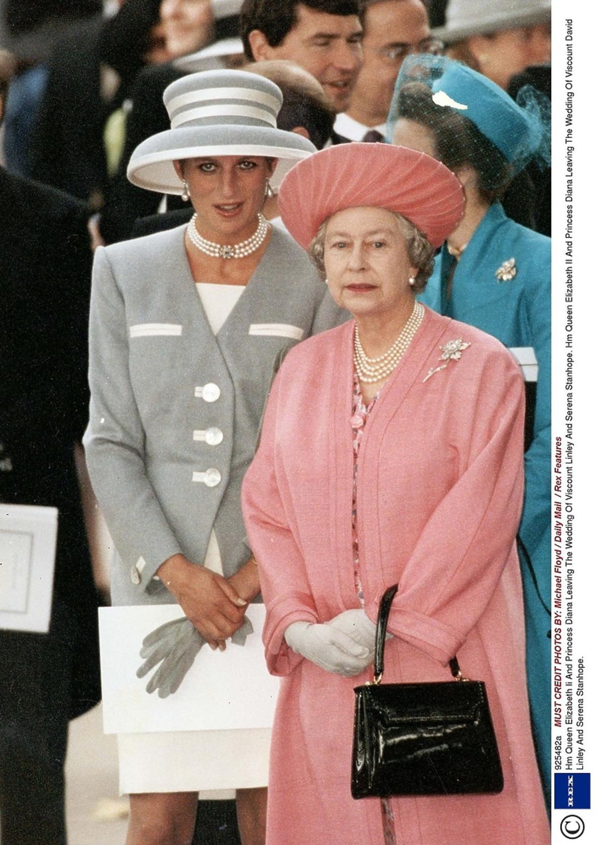 Elżbieta II i księżna Diana w Londynie podczas oficjalnych uroczystości