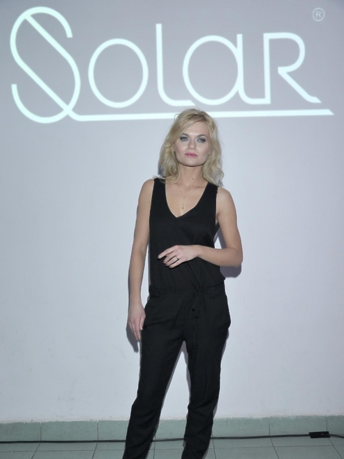 Emilia Komarnicka na premierze albumu
