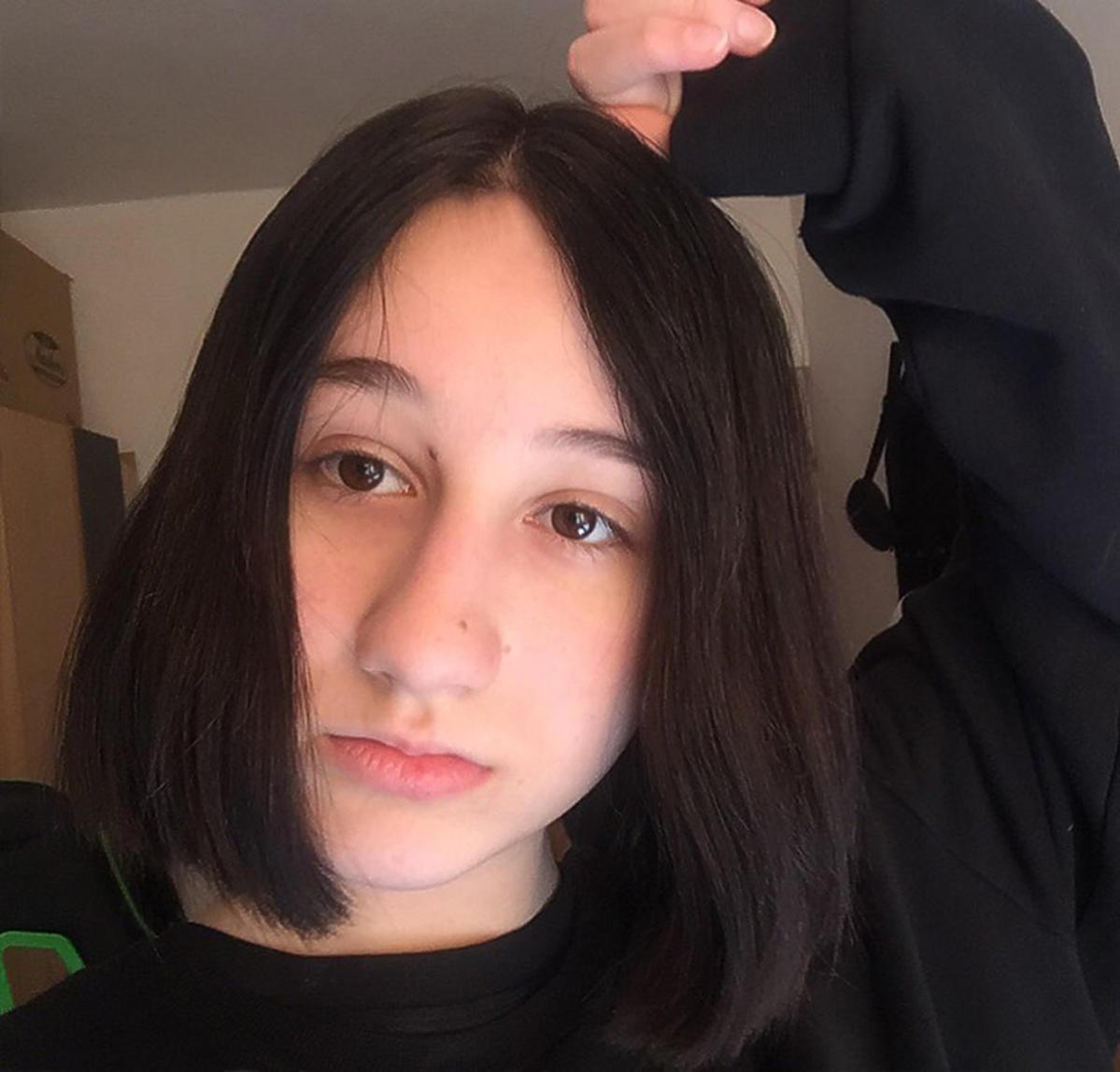 Etiennette Wiśniewska w #hot16challenge. Córka Michała Wiśniewskiego rapuje