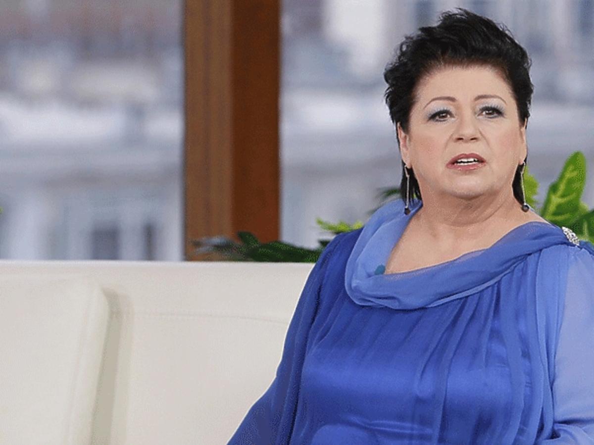 Ewa Bem w niebieskiej bluzce w DDTVN