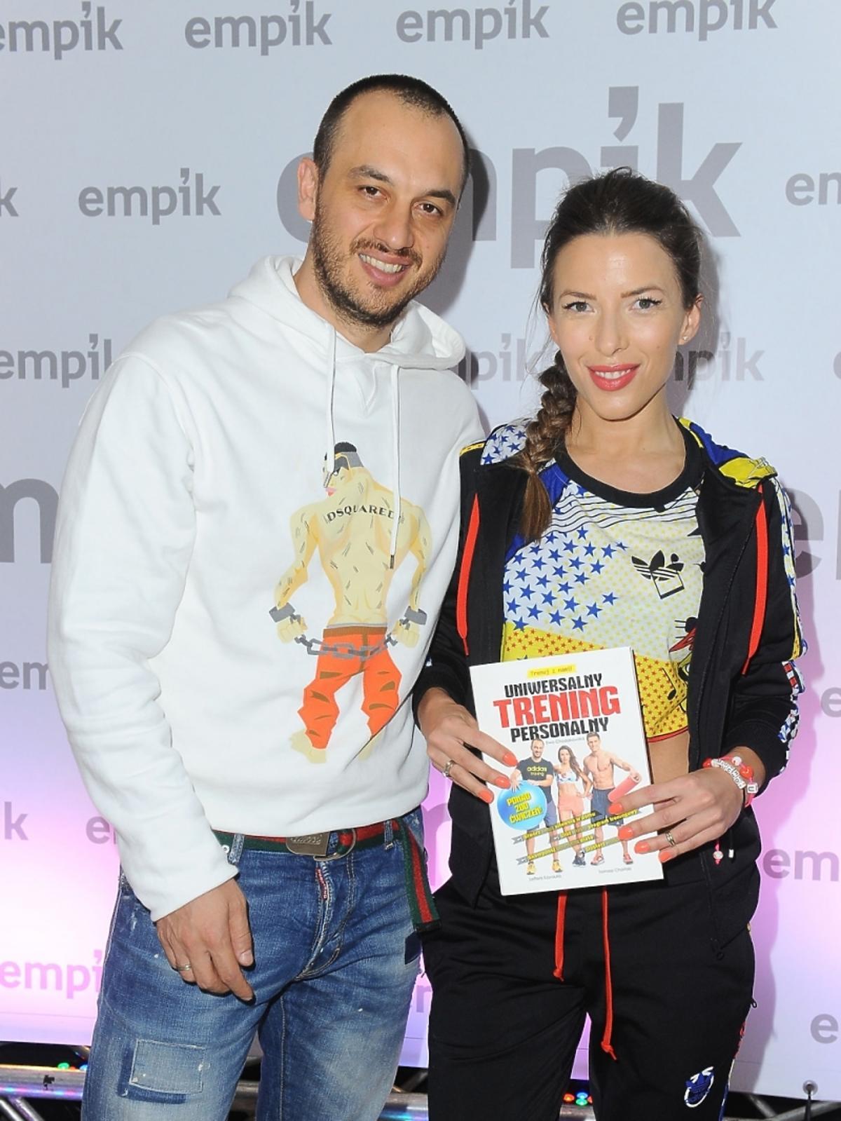 Ewa Chodakowska z mężem na premierze swojej książki