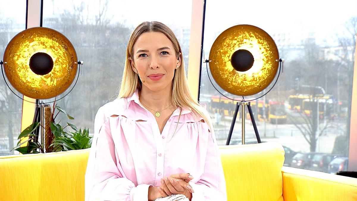 Ewa Chodakowska z rózowej bluzce w Pytaniu na sniadanie