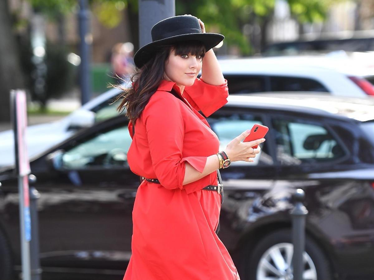 Ewa Farna w czerwonej sukience