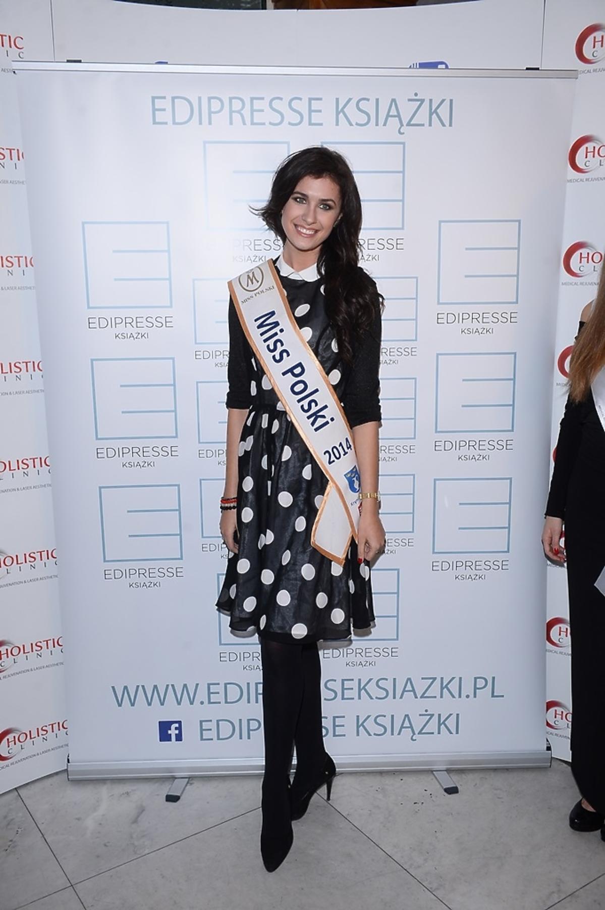 Ewa Mielnicka w sukience w grochy