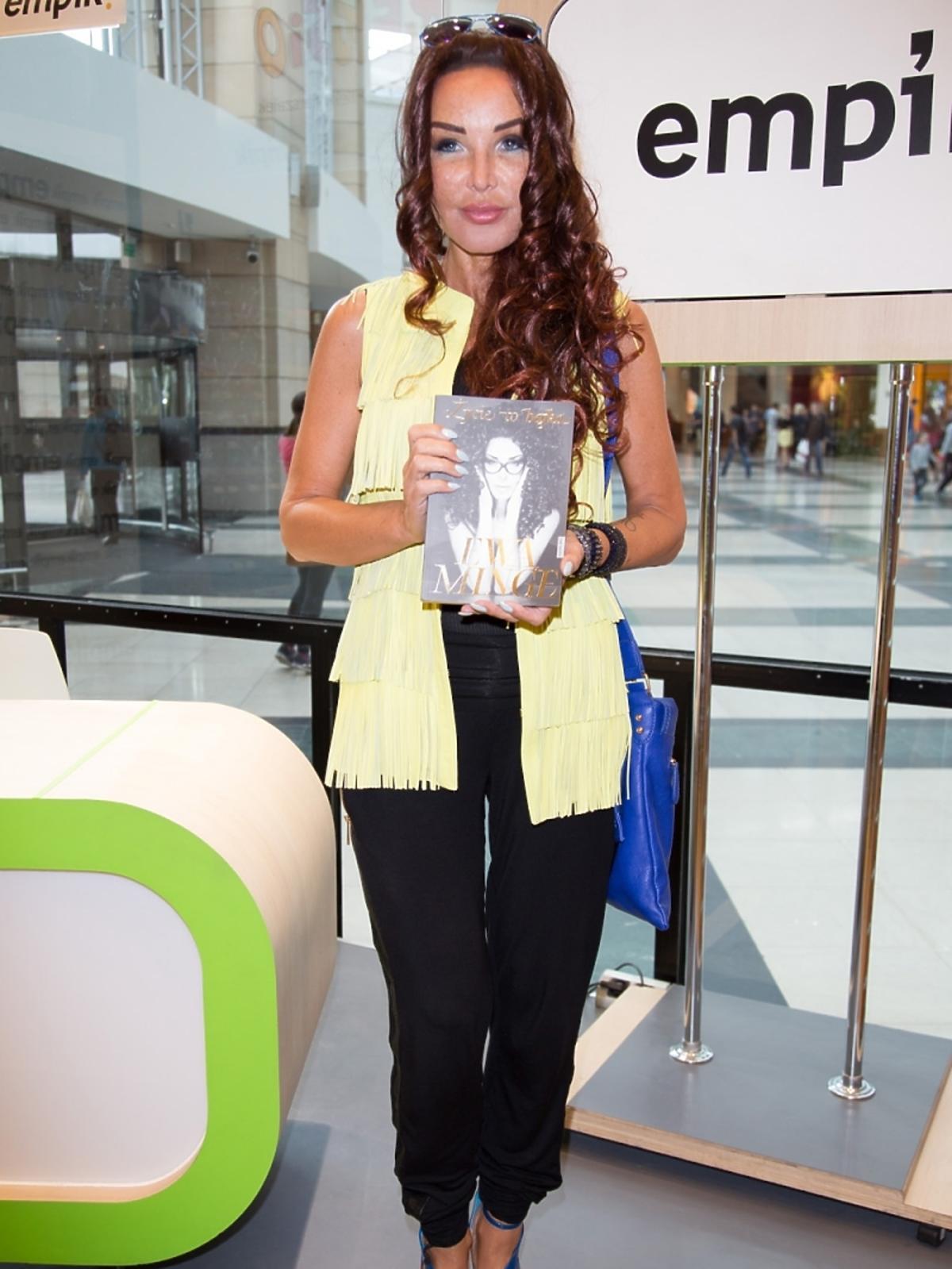 Ewa Minge promuje swoją książkę