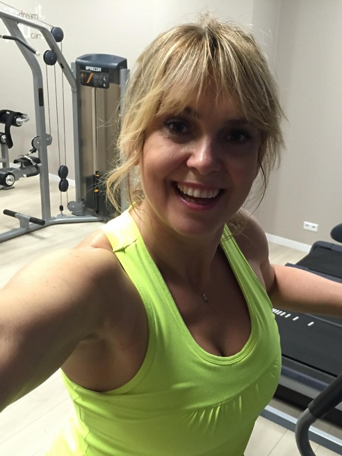 Ewa Wachowicz trenuje na siłowni