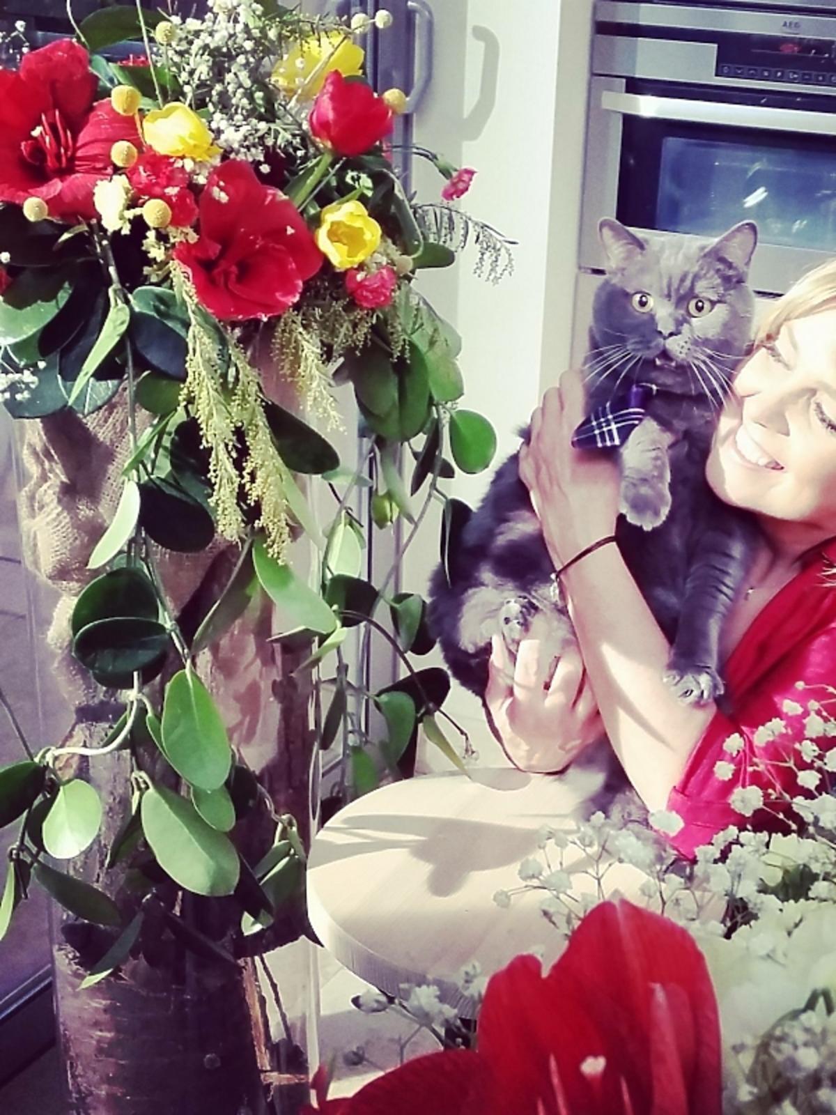 Ewa Wachowicz z kotem