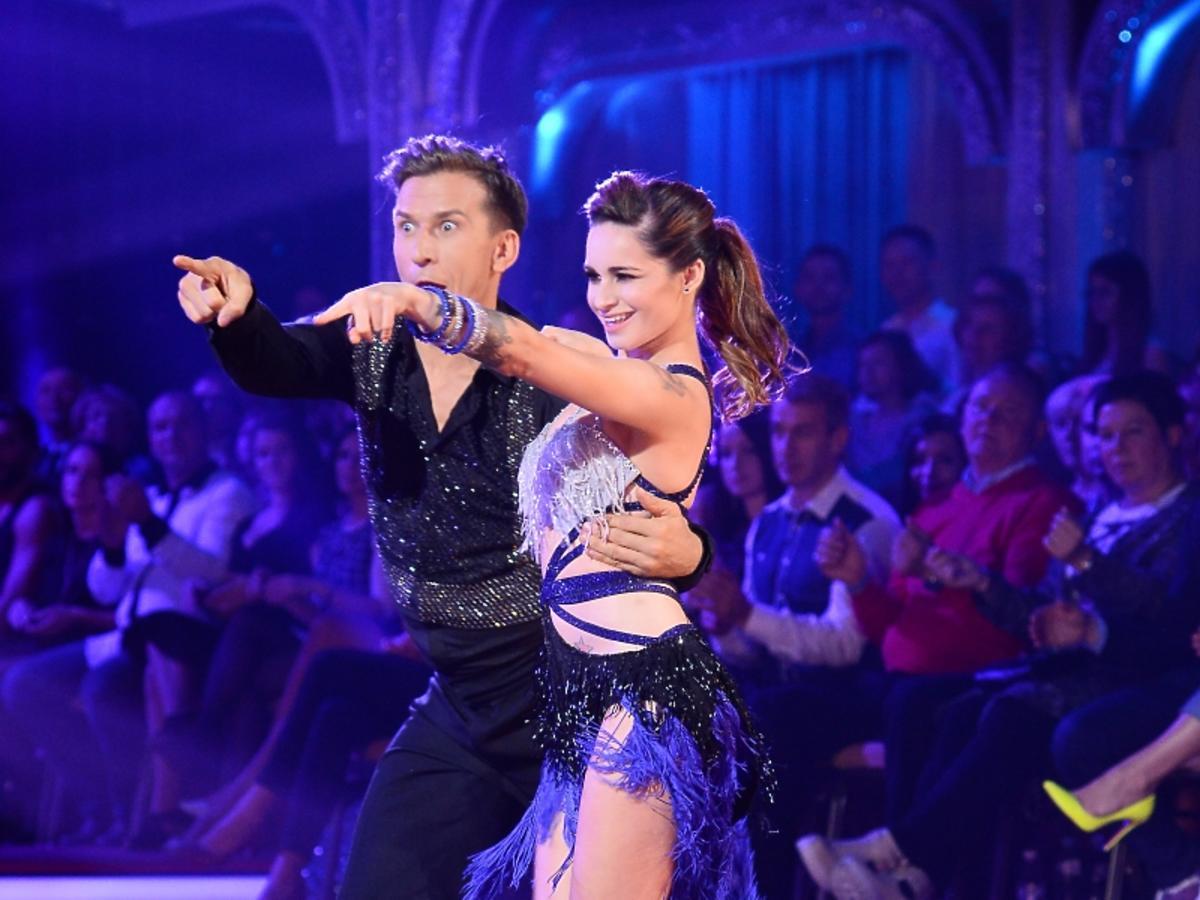 Ewelina Lisowska i Tomasz Barański na parkiecie w Tańcu z Gwiazdami