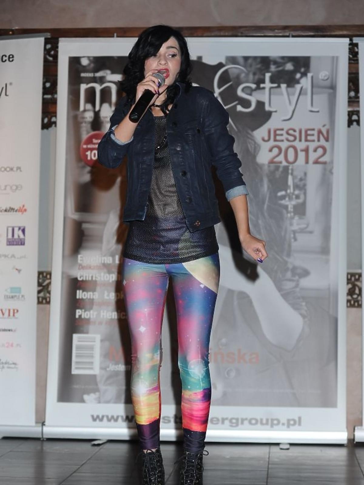 Ewelina Lisowska na koncercie podczas imprezy ExtravaDance Party by Moda i Styl