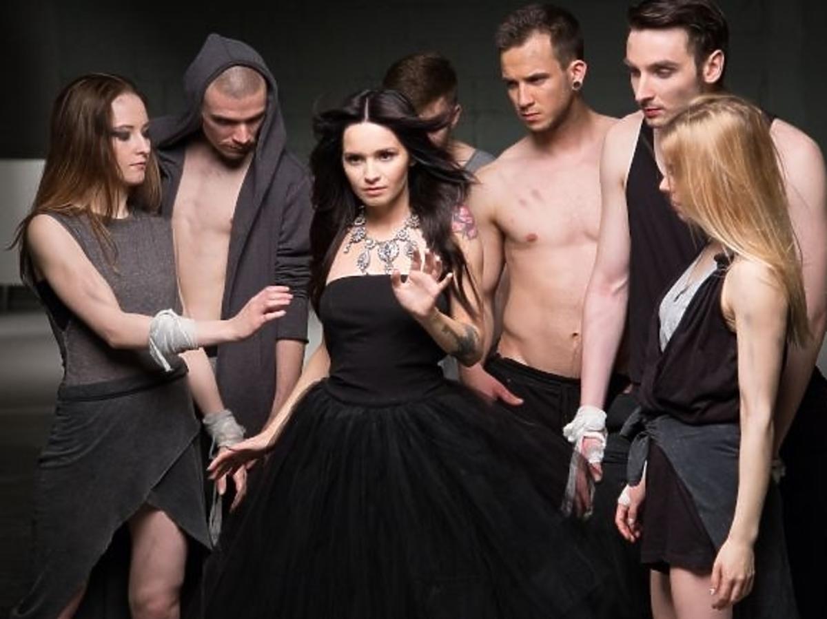 Ewelina Lisowska na planie teledysku do piosenki