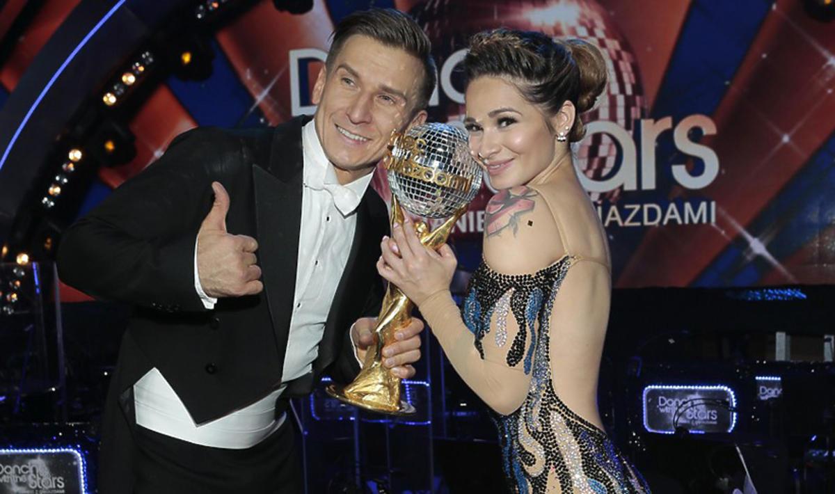 Ewelina Lisowska przekazała Kryształową Kulę na aukcję charytatywną
