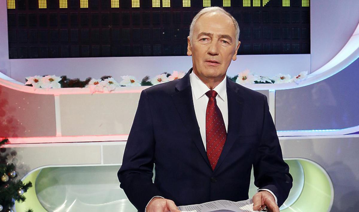 Familiada prowadzona przez Karola Strasburgera nie zniknie z TVP