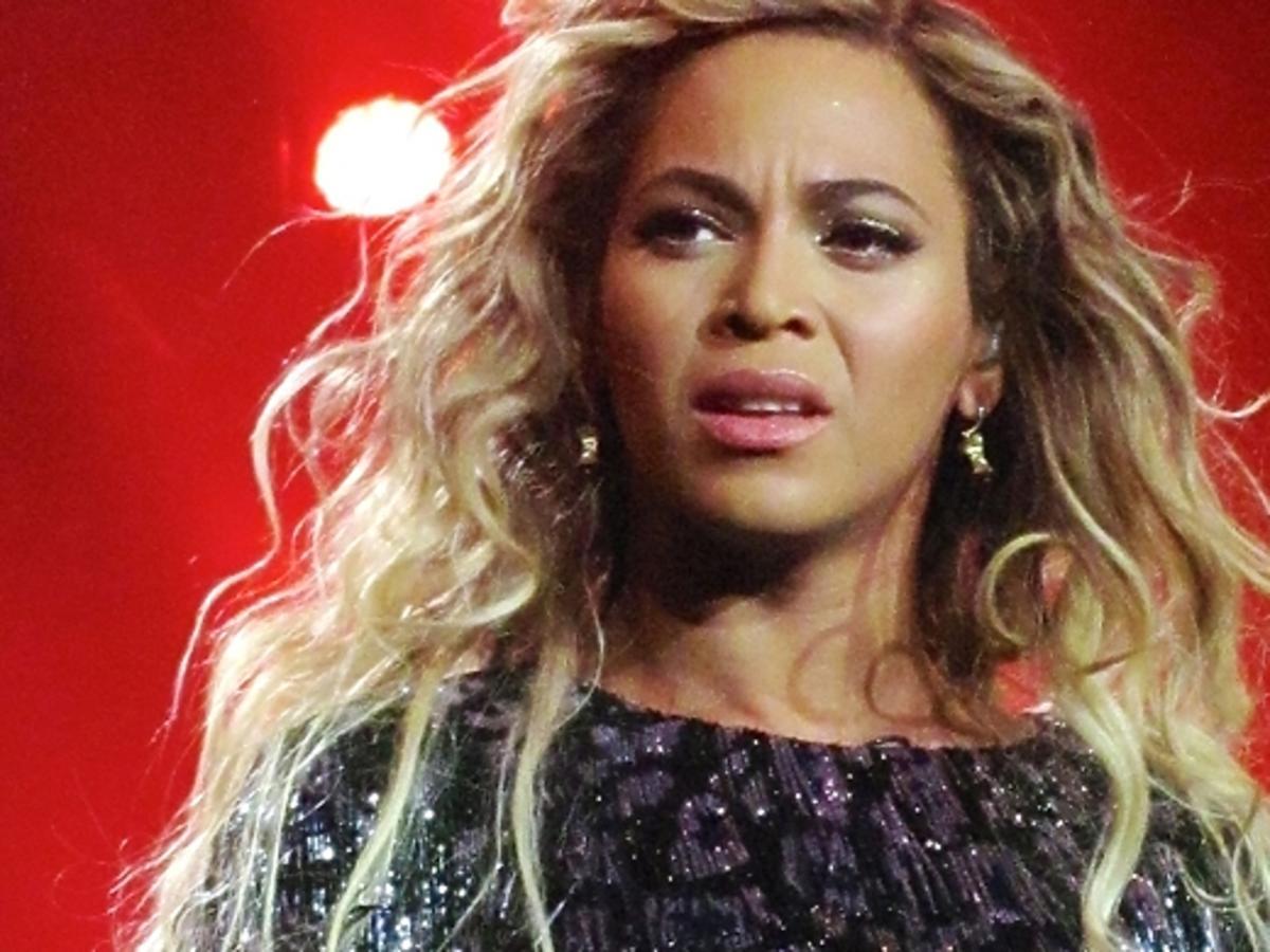 Fani podali Beyonce do sądu