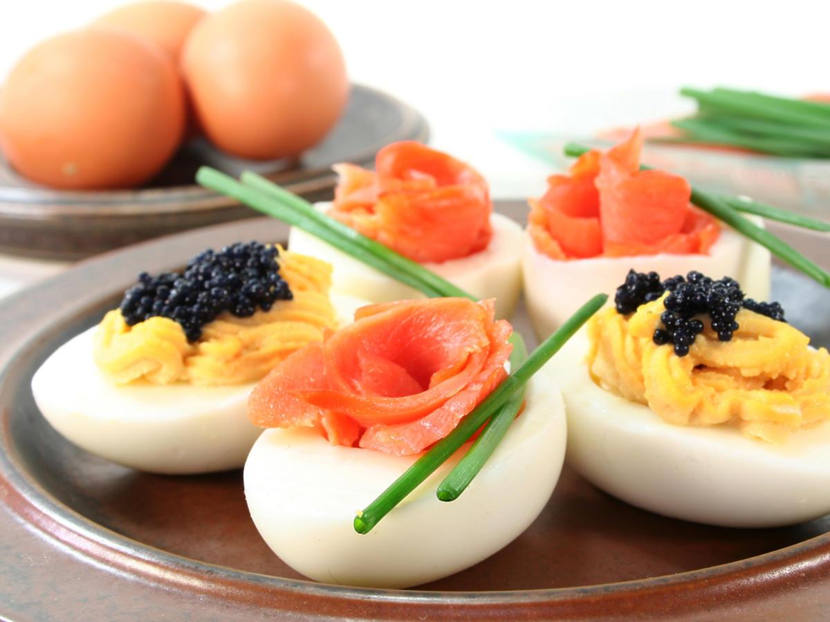 faszerowane jaja z dodatkami