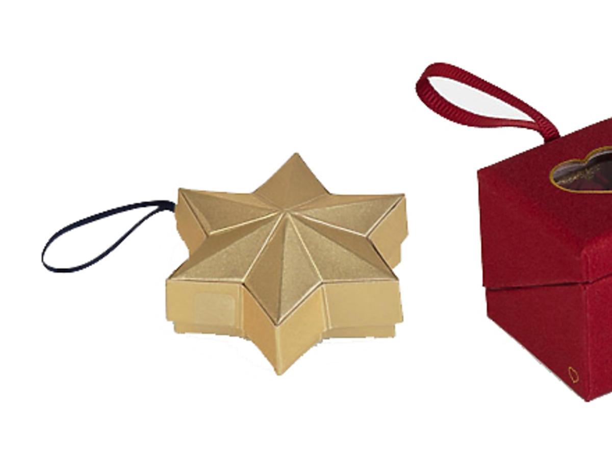 Figi i stringi w prezentowych pudełeczkach Oysho