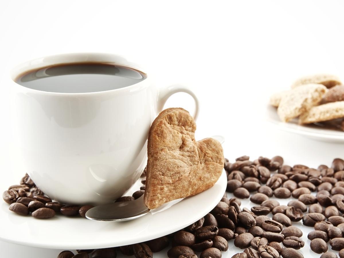 Filiżanka czarnej kawy na śniadanie