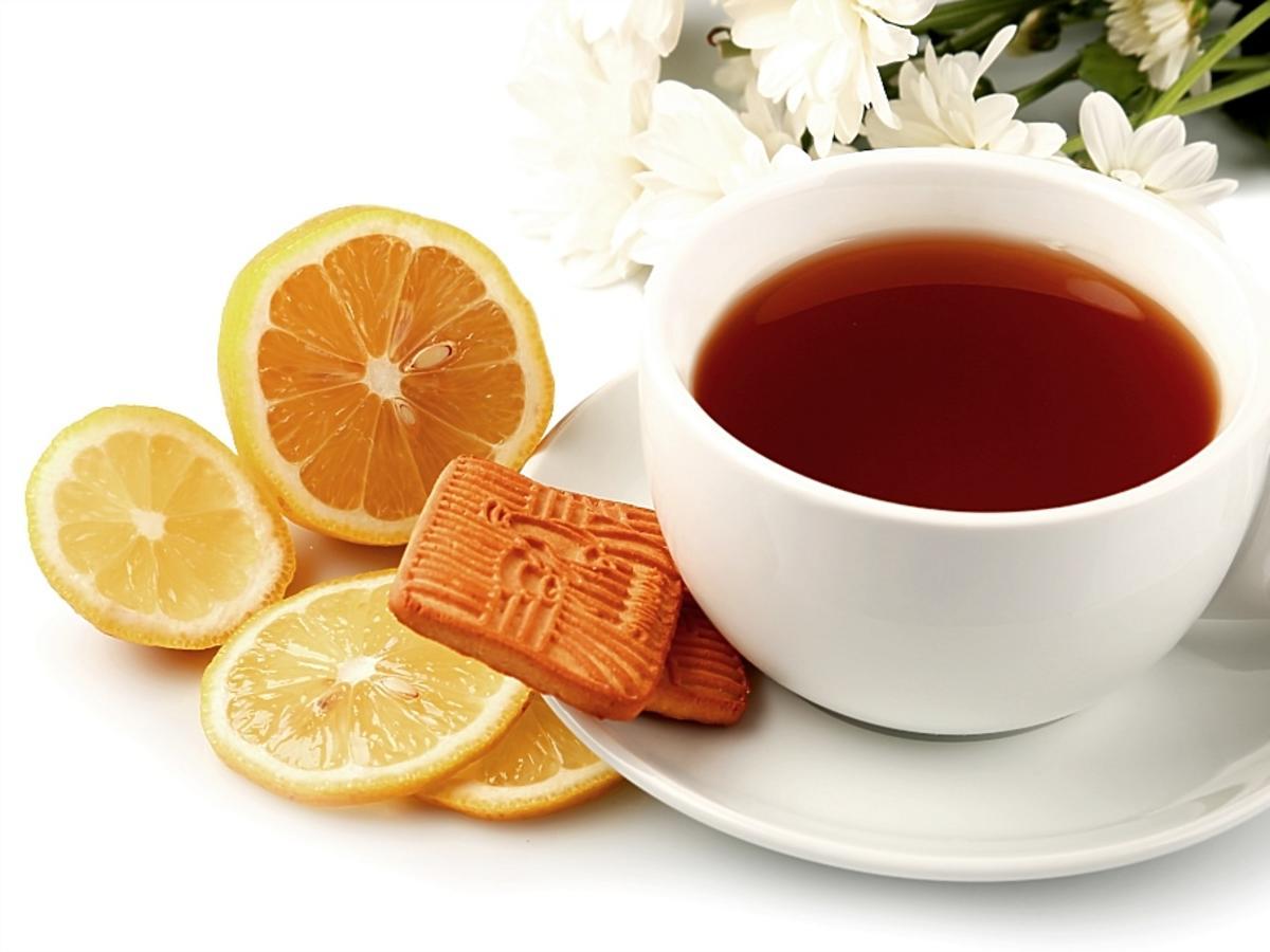 filiżanka herbaty z pomarańczą