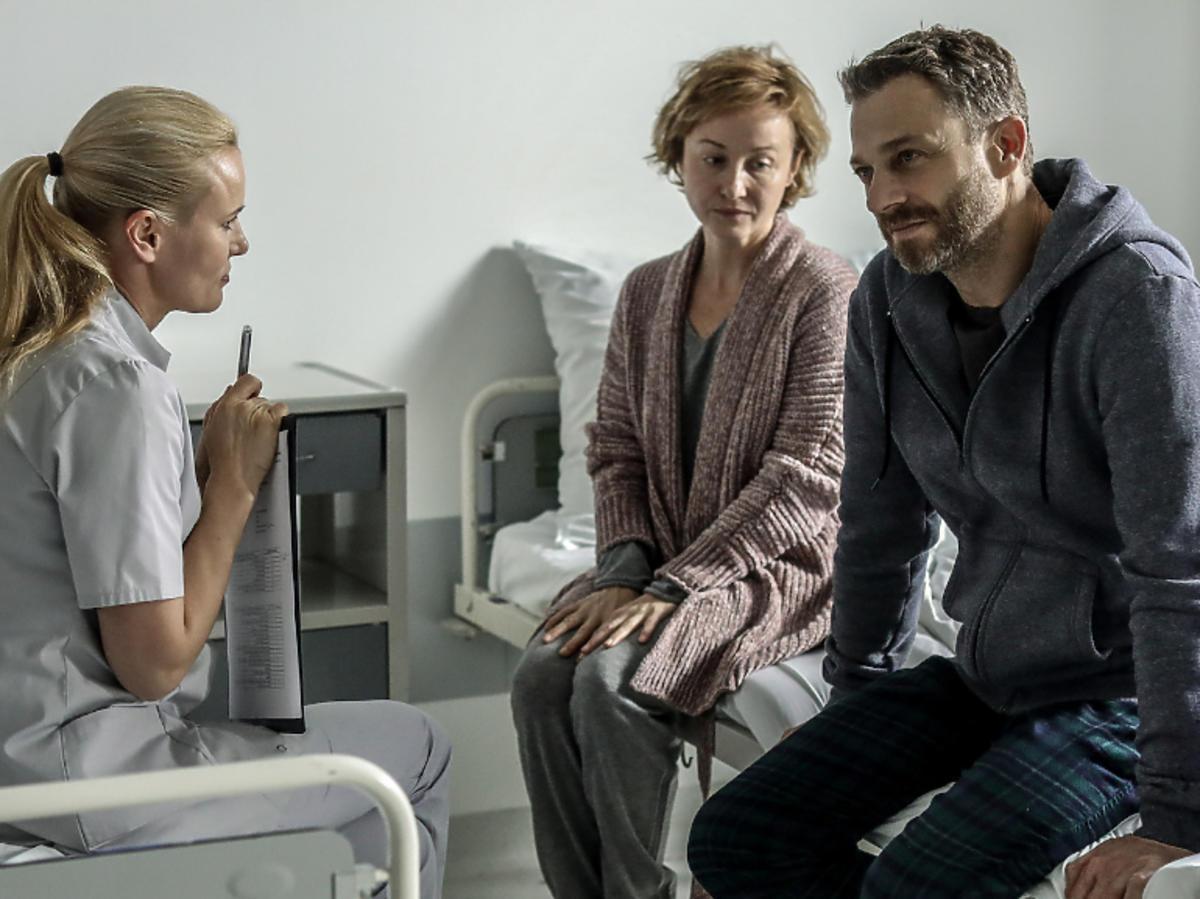 """Gabriela Muskat i Grzegorz Damięcki na planie serialu """"Szóstka"""""""