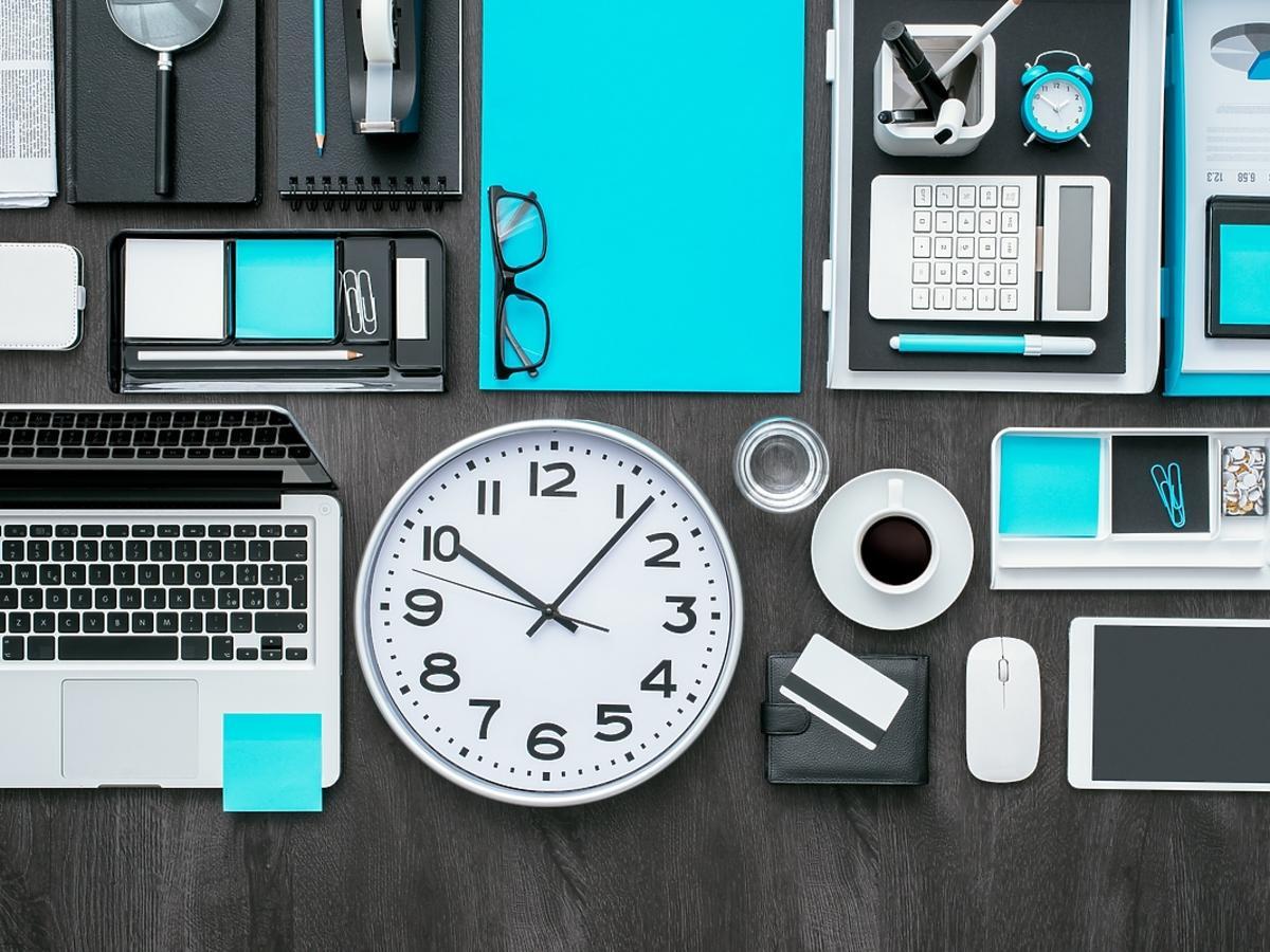 Gadżety biurowe ułatwiające pracę - jakie wybrać