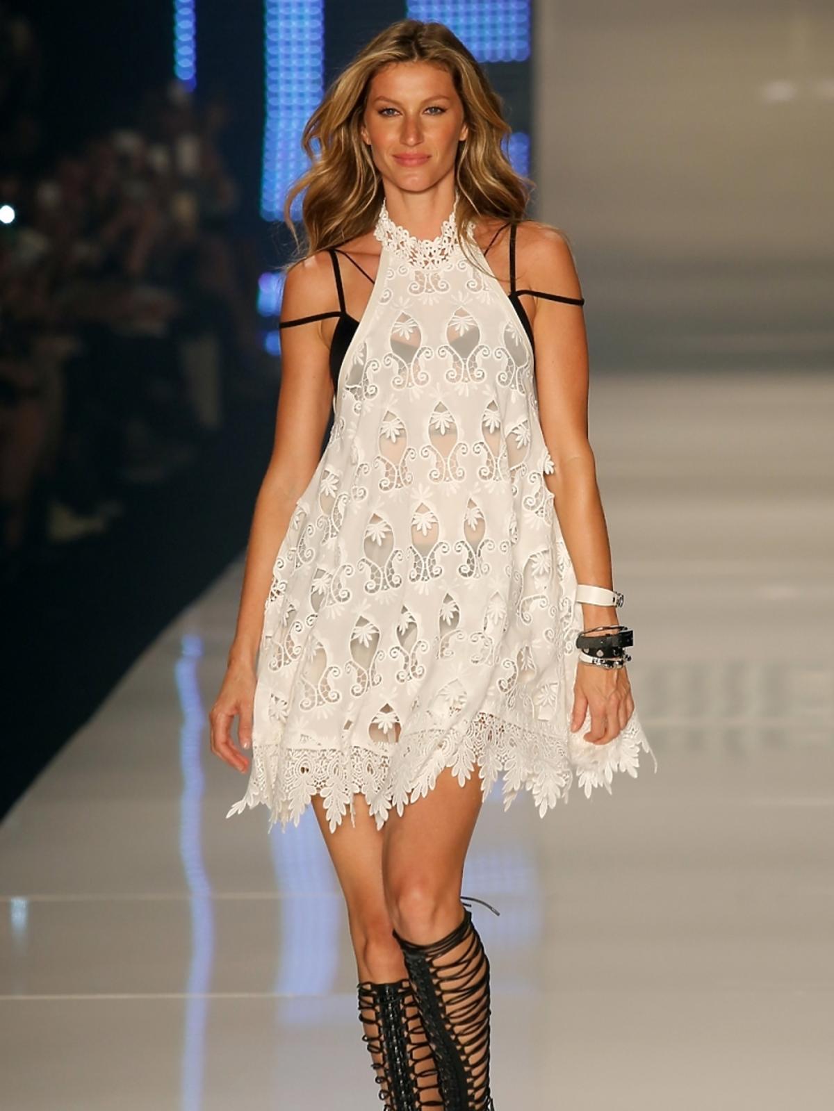 Gisele Bundchen na pokazie mody