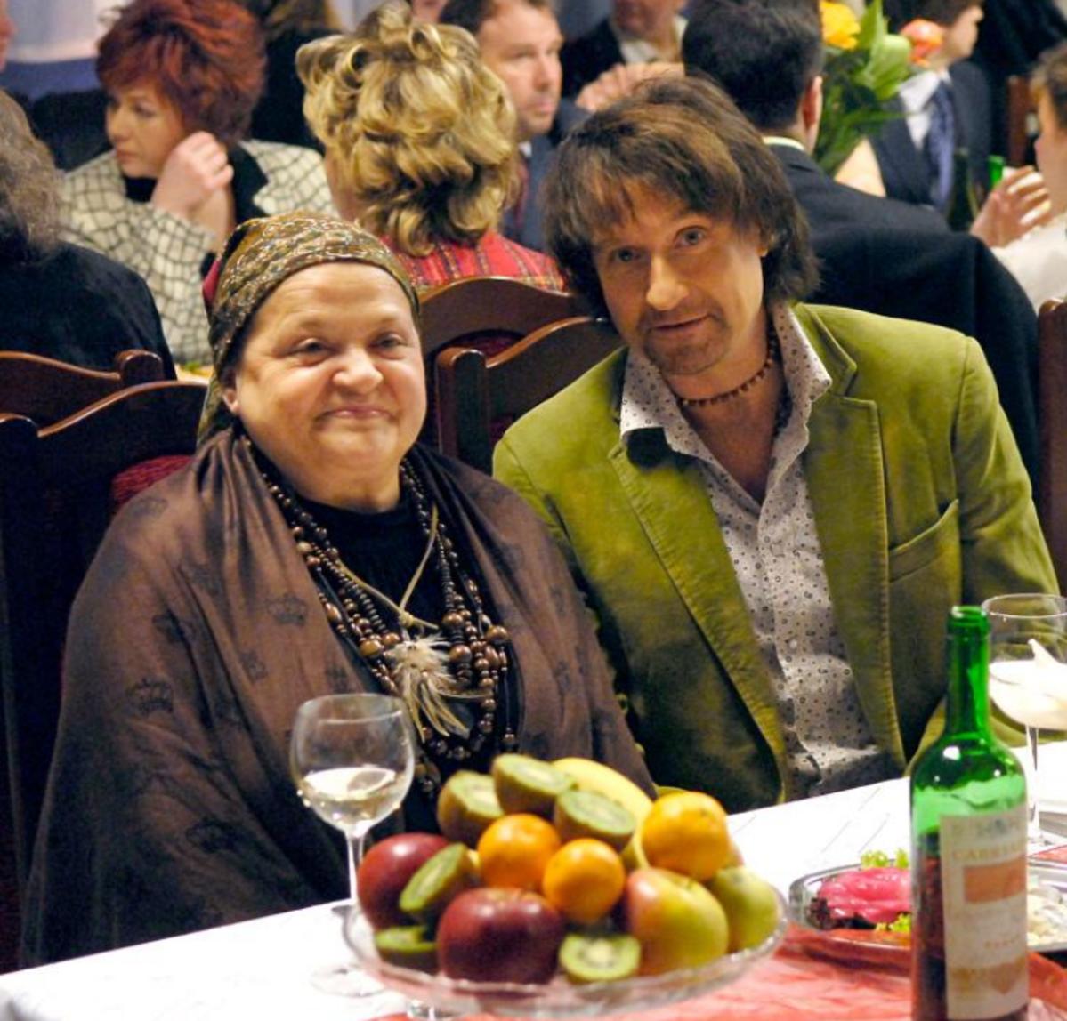 Grażyna Zielińska i Jacek Kawalec na planie serialu
