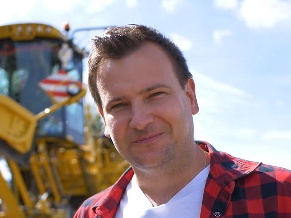 Grzegorz Bardowski w koszuli