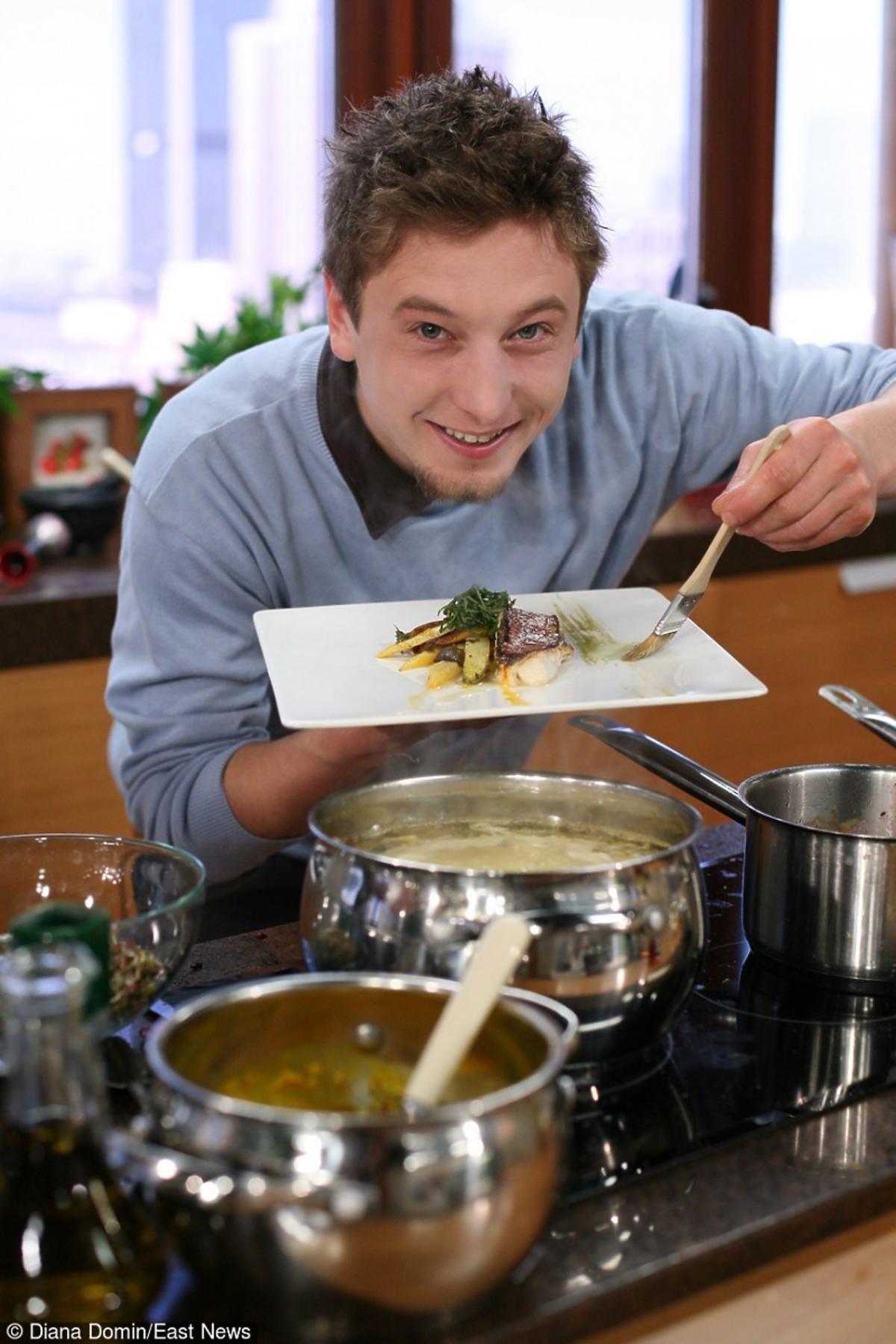 Grzegorz Łapanowski zwany polskim Jamiem Oliverem przygotował zdrowe danie w programie Dzień Dobry TVN