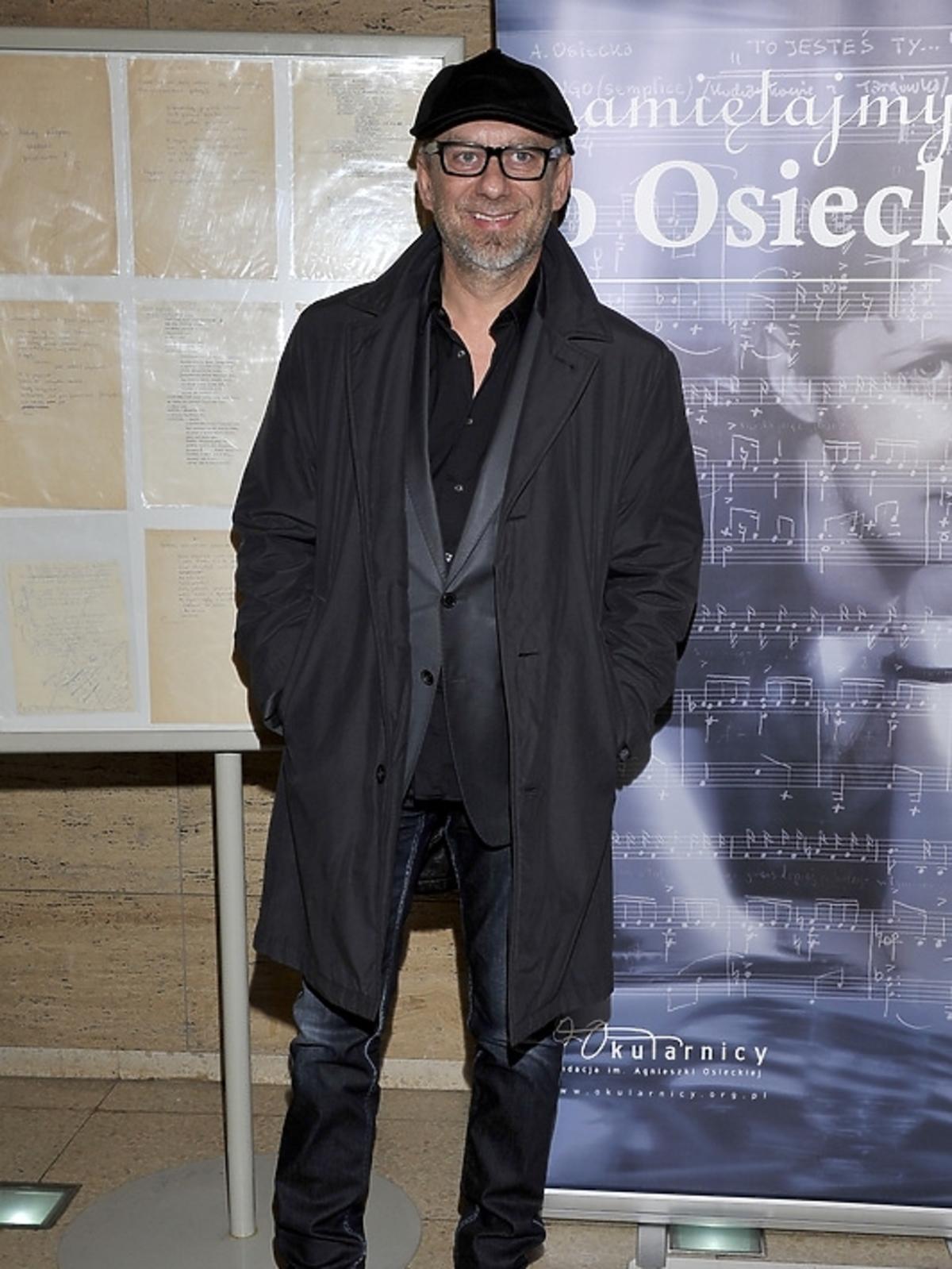 Grzegorz Pawlak na poetyckim slamie
